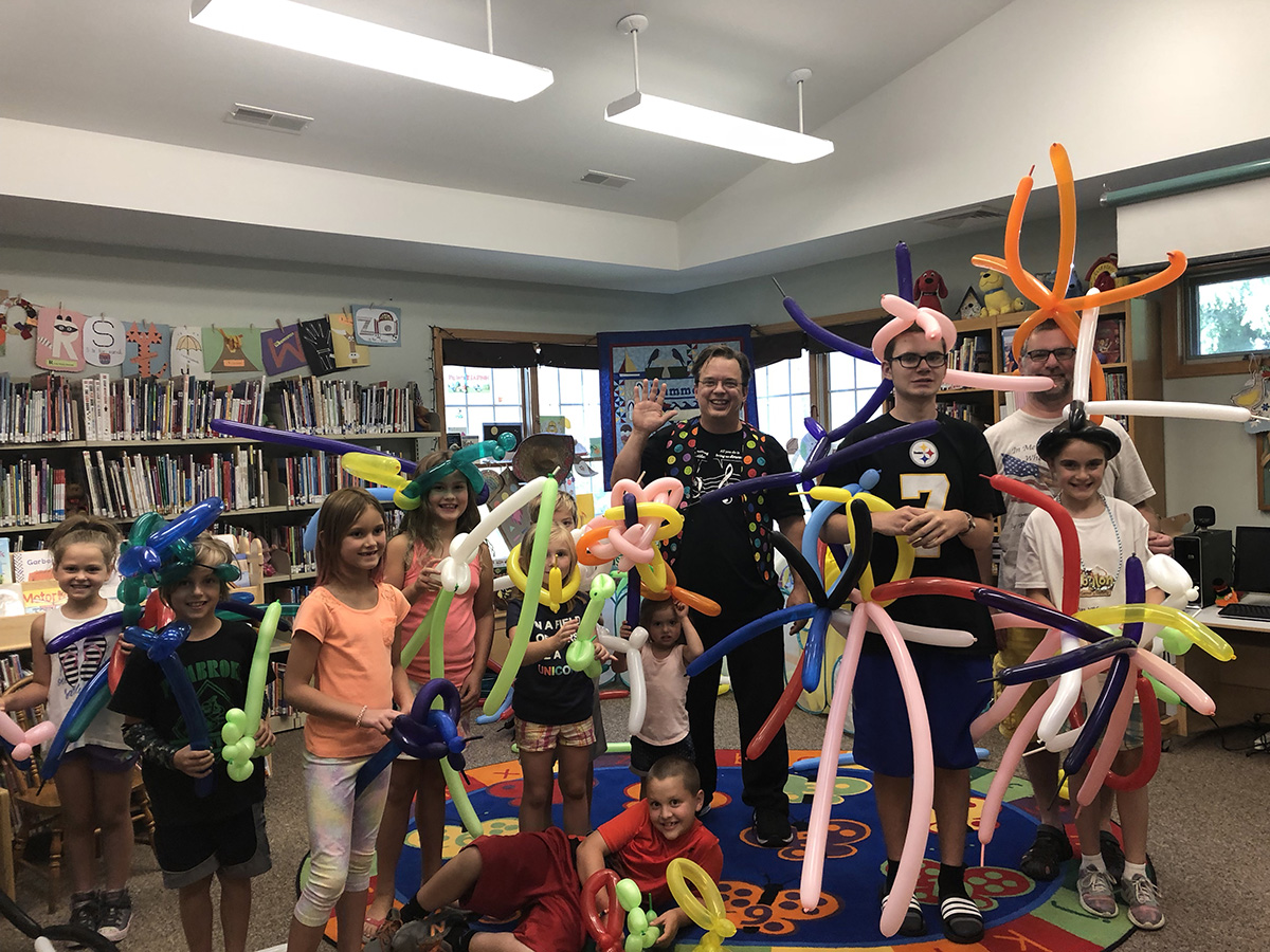 Cris Johnson, Balloon Twisting Workshop, balloons, library shows, kids programs
